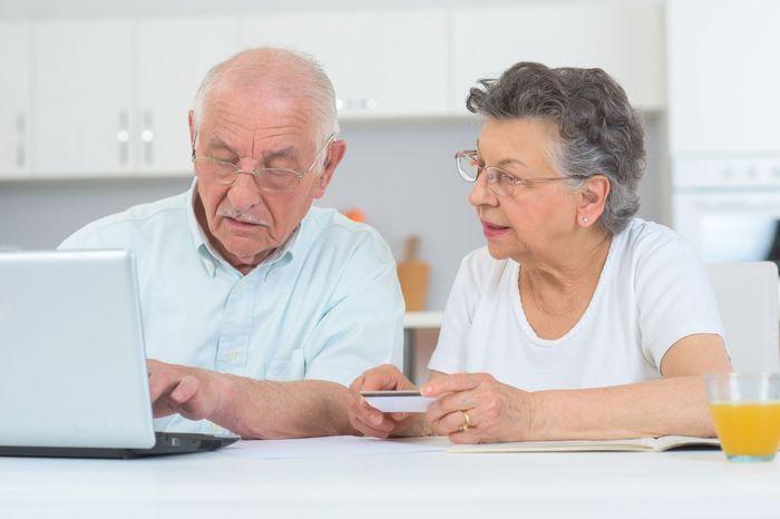 Порядок оформления дополнительного отпуска работающим пенсионерам