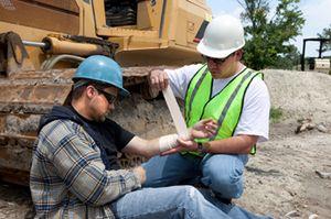 Производственная травма в 2017 году: выплаты и компенсации работнику