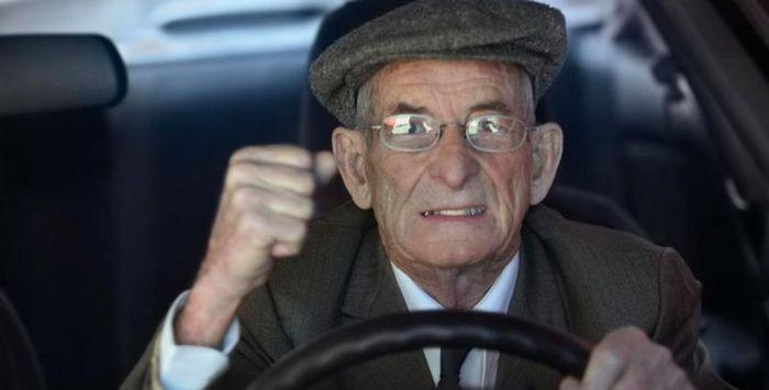 Где оформить льготу на транспортный налог для пенсионера