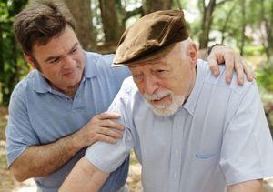 Порядок оформления опекунства над пожилым человеком после 80 лет