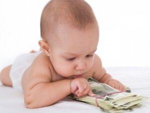 Особенности получения выплат при рождении ребенка в Москве
