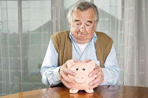 Кому положено едв пенсионерам
