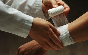 Производственная травма на производстве – что грозит работодателю, порядок ее оформления