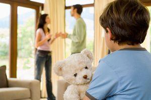 Как подать на алименты, если родители не в браке, и ребенок не записан на отца