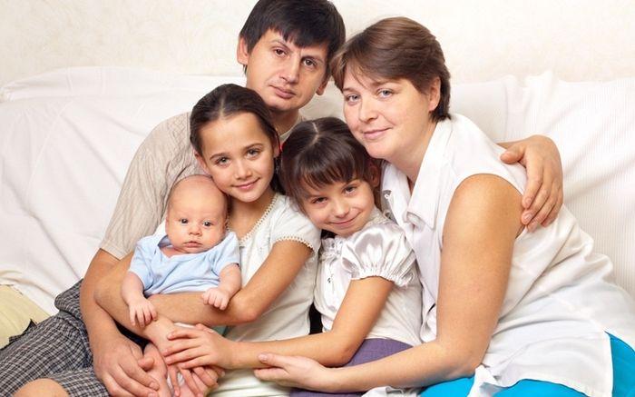 Законы о губернаторских выплатах на третьего ребенка