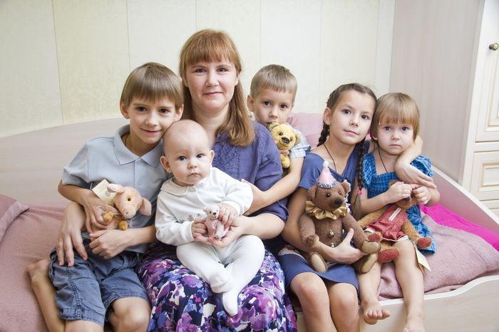 Адресная помощь многодетным и малоимущим