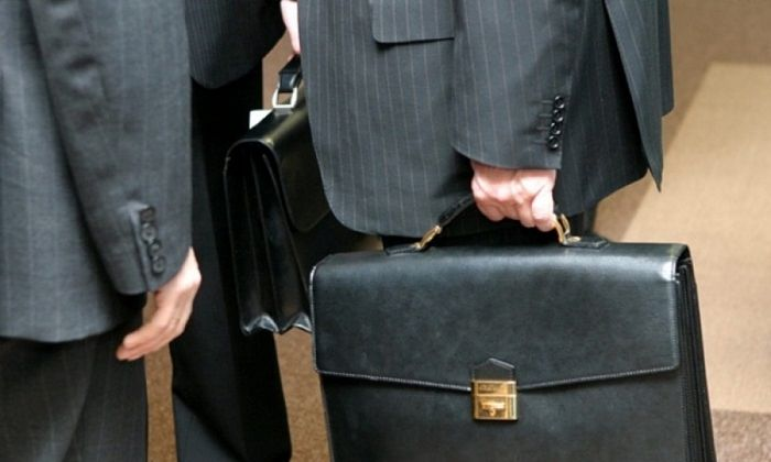 Возраст выхода на пенсию муниципальным служащим