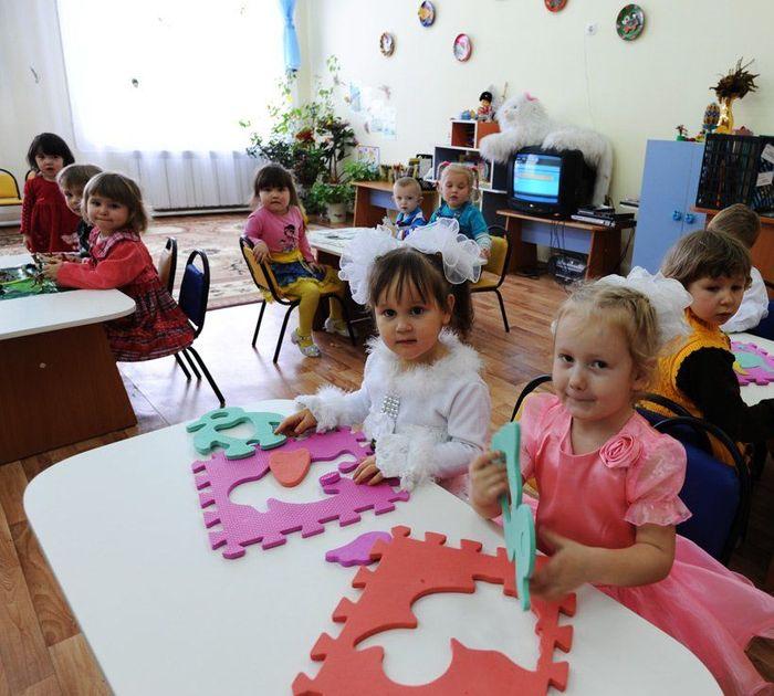 Распределение детей в детские сады в Петрозаводске и Красноярске
