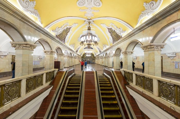 Лишение пенсионеров Москвы льгот на проезд в метро: кому сохранили бесплатный проезд, а кому нет