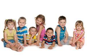 Награда Мать-героиня и орден Родительская слава: сколько детей необходимо иметь для получения