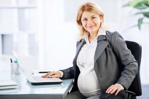 Сколько нужно отработать, чтобы получить декретные, при полном и неполном рабочем дне, совместителям и тд
