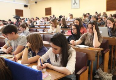 Стипендия Правительства РФ для студентов в 2017 году: правила назначения и размер пособия