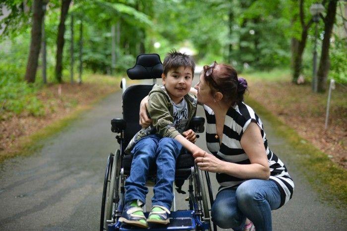 До скольки лет платят алименты на ребенка-инвалида