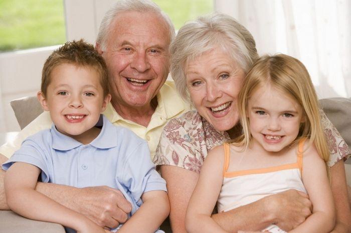 Досрочное оформление пенсии женщинам, родившим более 2 детей