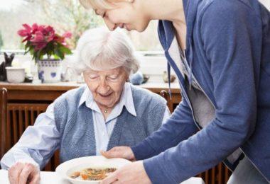 Правила оформления патронажа над пожилым человеком