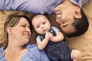 Лица, имеющие право усыновить (удочерить) ребенка