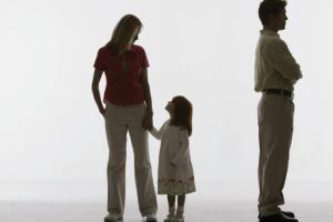 Документы для получения алиментов и помощи от государства, если отец не платит алименты