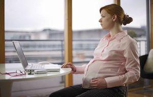 Декретные выплаты на второго ребенка работающим и неработающим мамам
