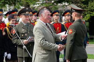 Основания увольнения военнослужащих, какие выплаты и пособия положены