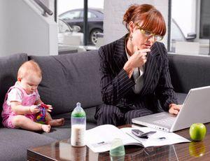 Что делать, если незаконно уволили женщину с ребенком