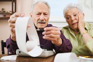 Удержание из пенсии: виды, рамер, основания и порядок взысканий