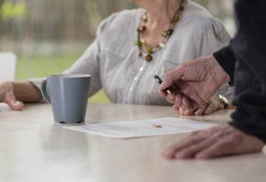 Страховой стаж – что это такое в 2017, использование для расчета больничного, пенсии и др