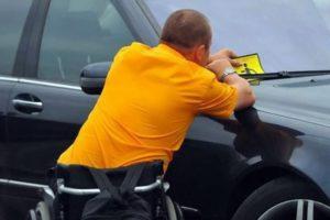 Наклейка Инвалид